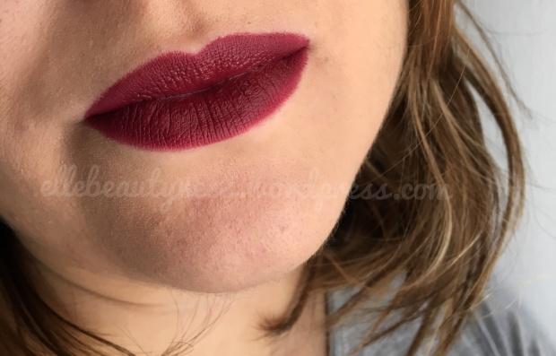 defa cosmetics review recensione rossetti lipsticks montmartre swatch elle beautyness velvet matt.JPG